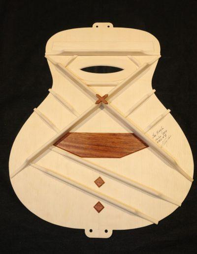 guitar-soundboard-art-bracing-2