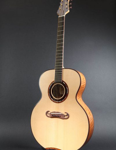 jumbo-1-spruce-soundboard-guitar-2