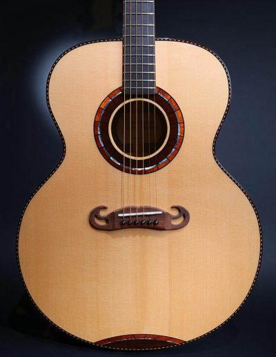 jumbo-1-spruce-soundboard-guitar-1